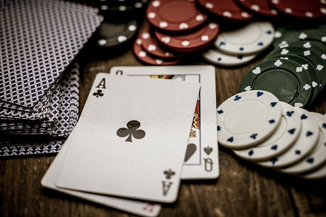 An ultimate guide to host a perfect home poker tournament!